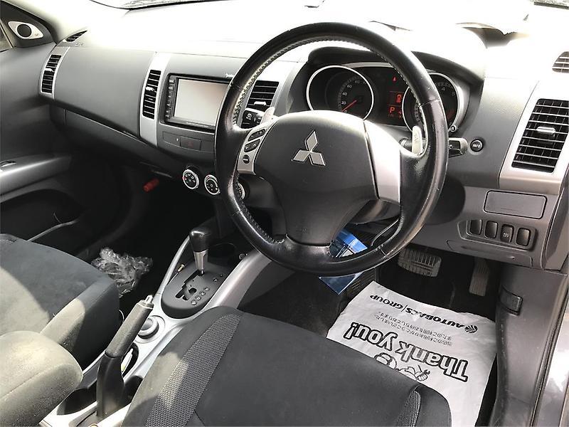 Mitsubishi-Outlander-2006