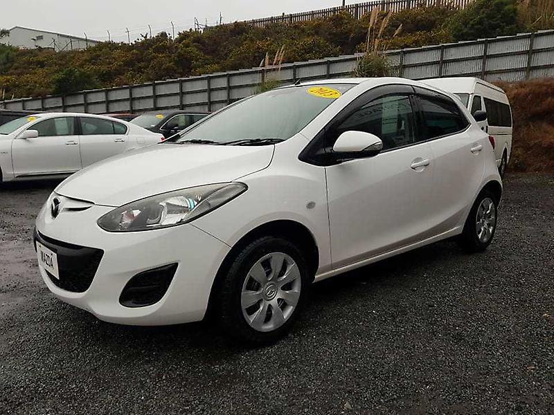 Mazda-DEMIO-2013