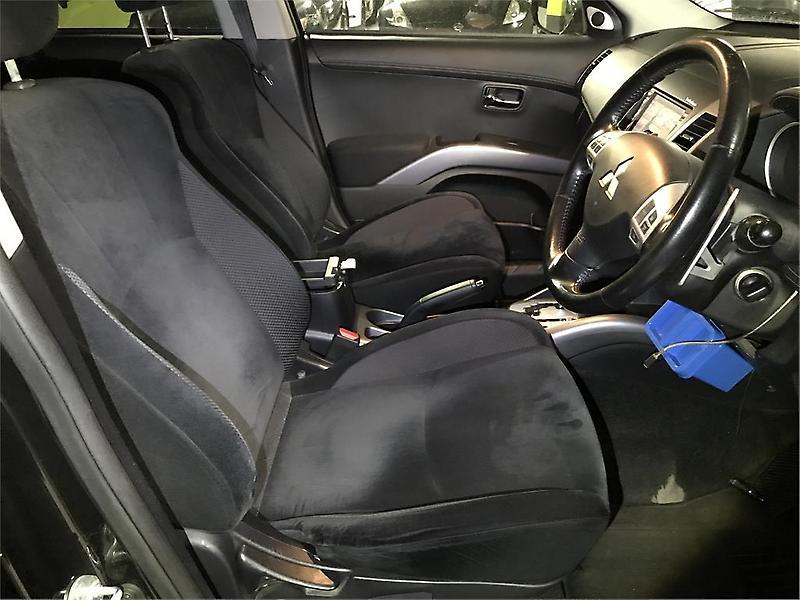 Mitsubishi-Outlander-2010