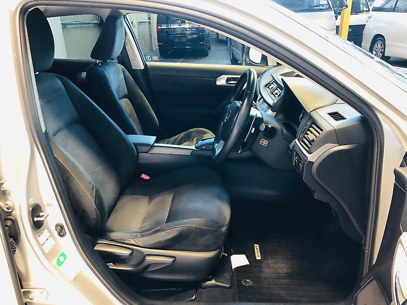 Lexus-CT-2011