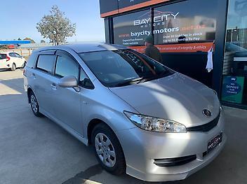 Toyota-WISH-2011